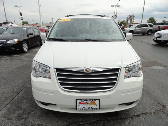 chrysler town country 2010 white van touring gasoline 6 ...