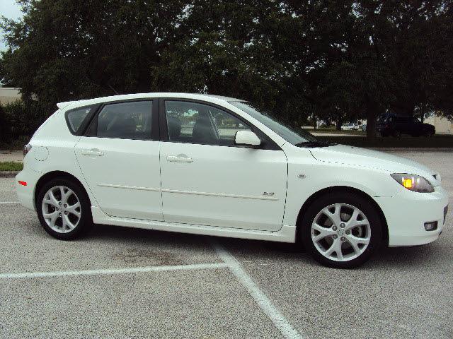 mazda mazda3 2009 white hatchback gasoline 4 cylinders front wheel drive automatic 32901 mazda. Black Bedroom Furniture Sets. Home Design Ideas