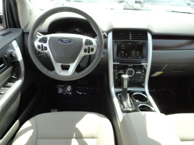 ford edge 2013 silver limited gasoline 4 cylinders front wheel drive automatic with overdrive. Black Bedroom Furniture Sets. Home Design Ideas