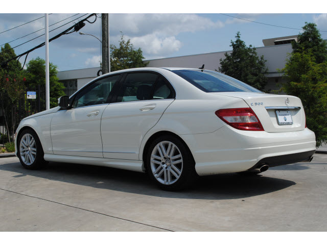 mercedes benz c class 2009 white sedan c300 luxury. Black Bedroom Furniture Sets. Home Design Ideas