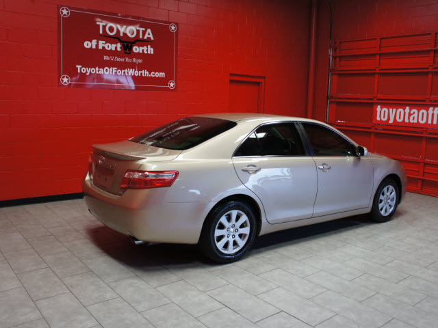 toyota camry 2008 tan sedan xle v6 gasoline 6 cylinders front wheel drive automatic 76116. Black Bedroom Furniture Sets. Home Design Ideas