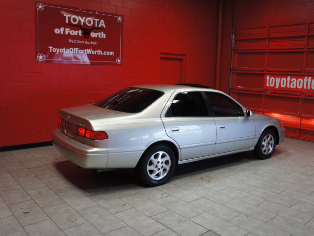 toyota camry 2000 silver sedan le gasoline 4 cylinders front wheel drive auto. Black Bedroom Furniture Sets. Home Design Ideas