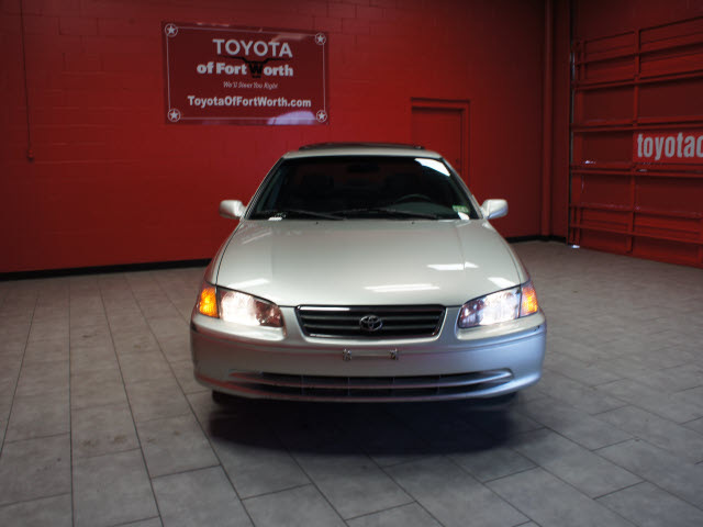 toyota camry 2000 silver sedan le gasoline 4 cylinders front wheel drive automatic with. Black Bedroom Furniture Sets. Home Design Ideas
