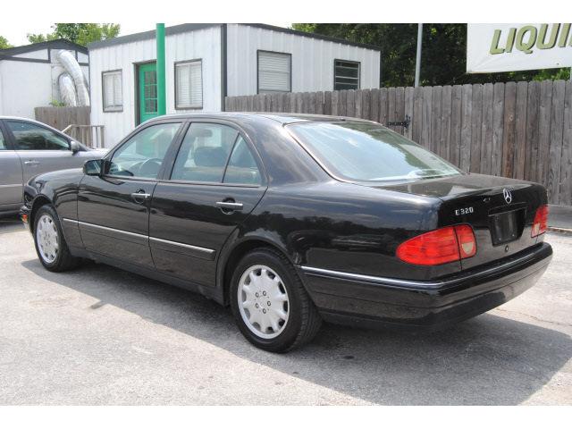 Mercedes benz e class 1999 black sedan e320 gasoline 6 for Mercedes benz e320 1999