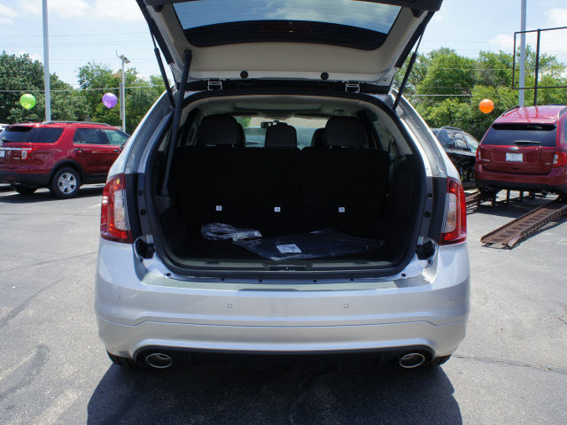 http://photo-of-car.com/albums/userpics/2012y/06/26/1/116750/Ford-Edge-2013-Silver-Sport-Gasoline-6-Cylinders-Front-Wheel-Drive-6-Speed-Automatic-75235-4.jpg
