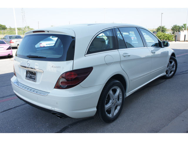 Mercedes benz r class 2009 white suv r350 gasoline 6 for White mercedes benz suv