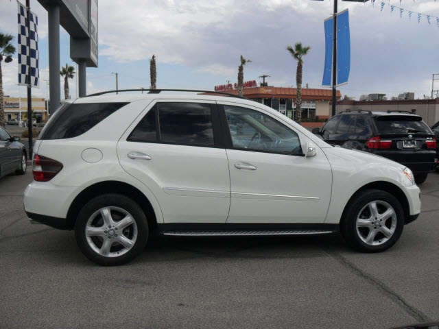 Mercedes benz ml350 2008 white suv gasoline 6 cylinders for Mercedes benz suv ml350