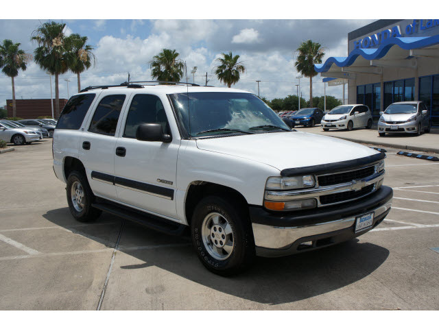 Chevrolet Tahoe 2002 White Suv Ls Flex Fuel 8 Cylinders