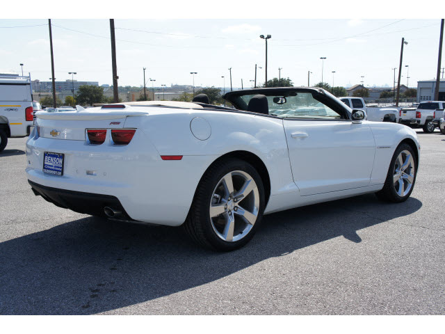 Chevrolet Camaro Convertible 2011 White Lt Gasoline 6