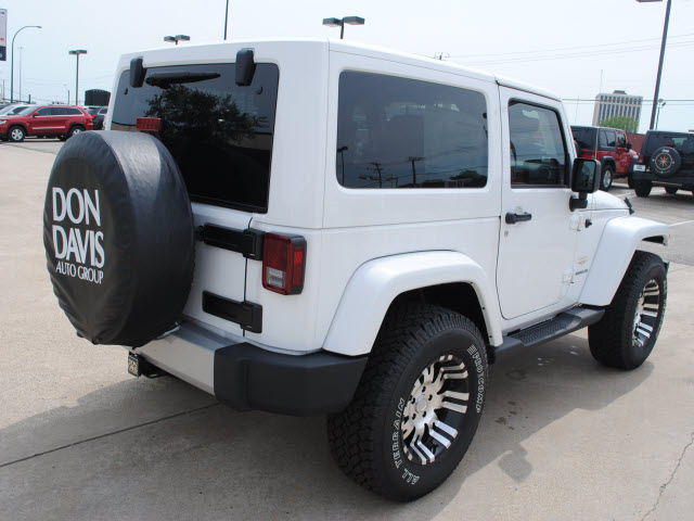 jeep wrangler 2011 white suv sahara gasoline 6 cylinders 4 wheel drive automatic 76011 jeep. Black Bedroom Furniture Sets. Home Design Ideas
