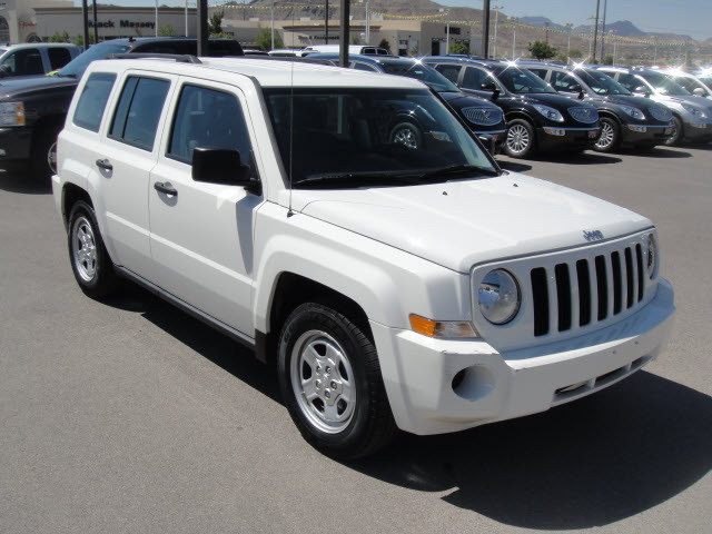 jeep patriot 2009 white suv sport gasoline 4 cylinders 2 wheel drive automatic 79922 jeep. Black Bedroom Furniture Sets. Home Design Ideas