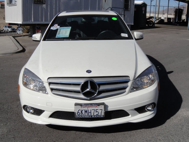Mercedes benz c300 2010 white sedan gasoline 6 cylinders for 2010 mercedes benz c 300