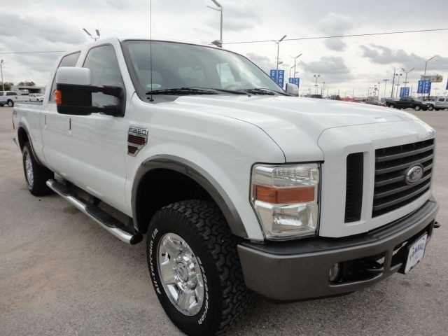 ford f250 2008 oxford white fx4 super duty diesel 4 wheel drive automatic 77375 ford f250 2008. Black Bedroom Furniture Sets. Home Design Ideas