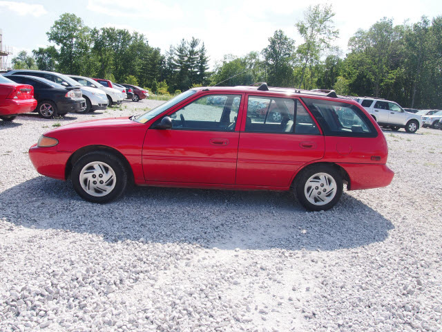 ford escort 1998 red wagon se gasoline 4 cylinders front wheel drive 5 speed manual 46168 ford escort 1998 red wagon se gasoline 4 cylinders front wheel drive 5 speed manual 46168 cars car photos share your car photo ford escort 1998 red wagon se gasoline