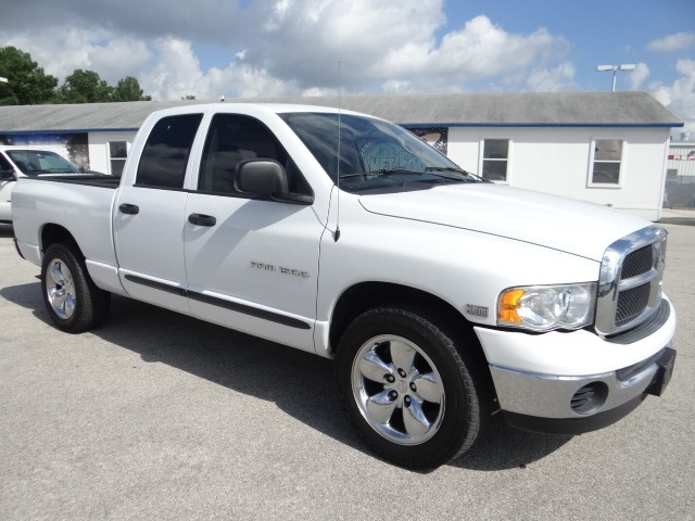Dodge Ram 1500 2004 White Pickup Truck Slt 8 Cylinders Rear Wheel Drive Automatic 77388 171 Dodge