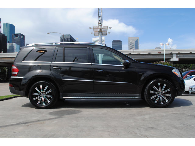Mercedes Benz Gl Class 2009 Black Suv Gl320 Bluetec Diesel 6 Cylinders 4 Wheel Drive Automatic