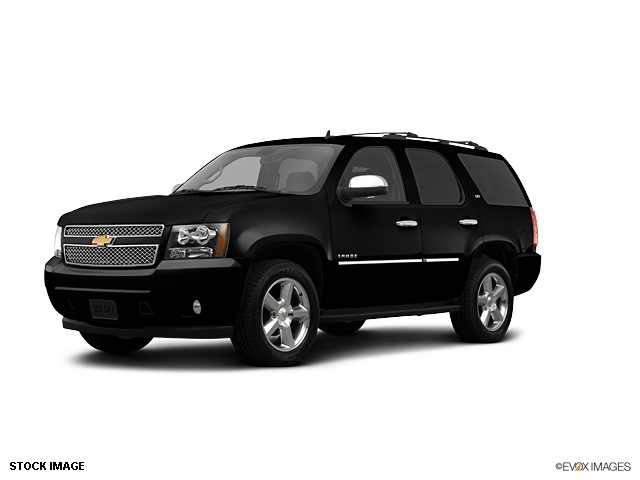 Black Chevy Tahoe 2013 submited images.