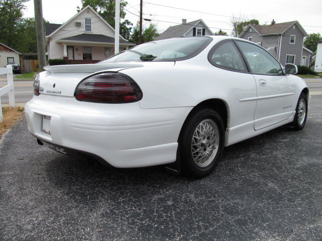 Pontiac Grand Prix 1997 White Coupe Gt Gasoline V6 Front