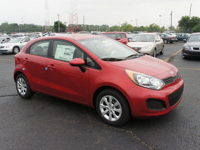 2013 signal red hatchback lx gasoline 4 cylinders front wheel drive