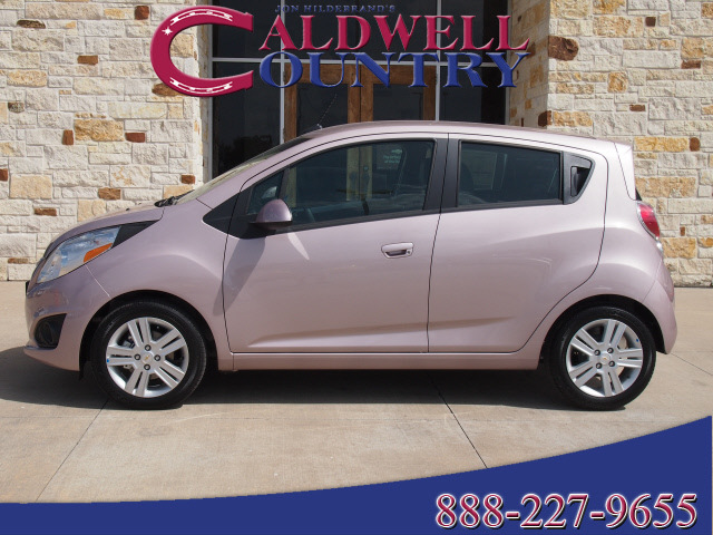 chevrolet spark 2013 pink hatchback gasoline 4 cylinders front wheel