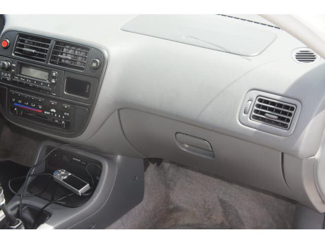 honda civic 1998 white sedan lx gasoline 4 cylinders front wheel rh photoofcar com 1998 Honda Civic Hatchback 1998 Honda Civic Sedan