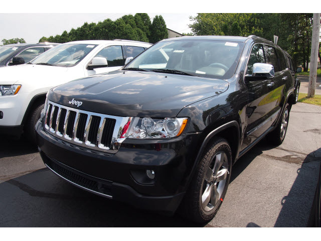 jeep grand cherokee 2013 black suv limited gasoline 6 cylinders 4 wheel drive automatic 07730. Black Bedroom Furniture Sets. Home Design Ideas