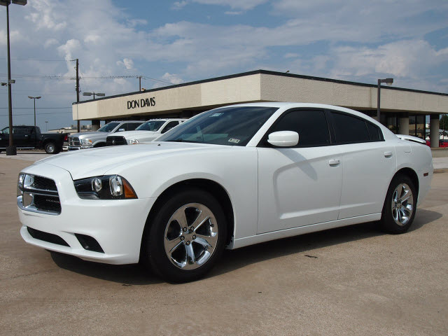 dodge charger 2013 white sedan se gasoline 6 cylinders rear wheel drive automatic 76011 dodge. Black Bedroom Furniture Sets. Home Design Ideas