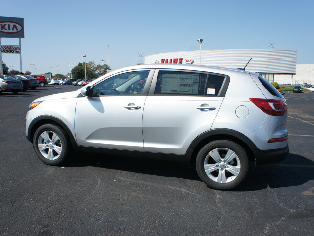kia sportage 2013 bright silver lx gasoline 4 cylinders front wheel drive automatic 19153 kia. Black Bedroom Furniture Sets. Home Design Ideas