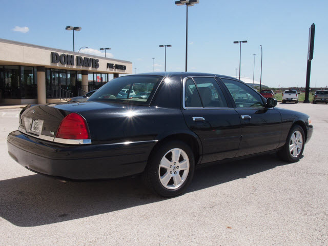 2011 Ford Crown Victoria Black 200 Interior And