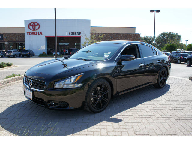 2011 Nissan Maxima Black 200 Interior And Exterior Images