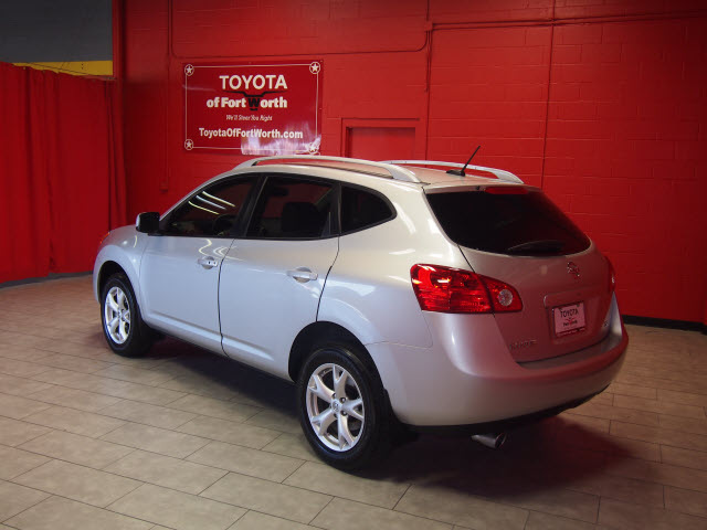 nissan rogue 2009 silver suv sl gasoline 4 cylinders front wheel drive automatic 76116 nissan. Black Bedroom Furniture Sets. Home Design Ideas