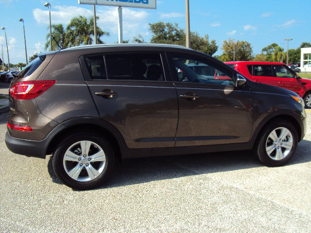 kia sportage 2013 sand track lx gasoline 4 cylinders front wheel drive automatic 32901 kia. Black Bedroom Furniture Sets. Home Design Ideas