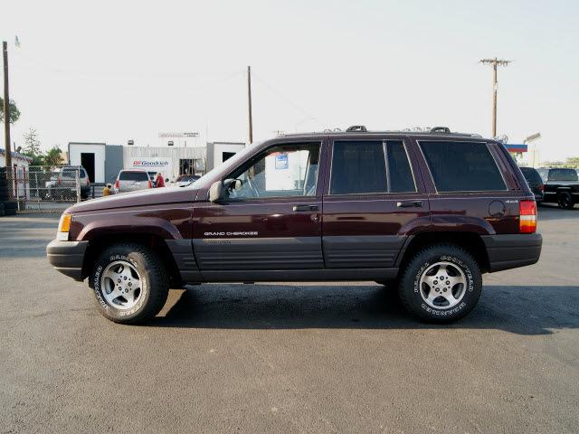 jeep grand cherokee 1996 dark rosewood suv laredo gasoline 8 cylinders 4 wheel drive automatic 80911. Black Bedroom Furniture Sets. Home Design Ideas