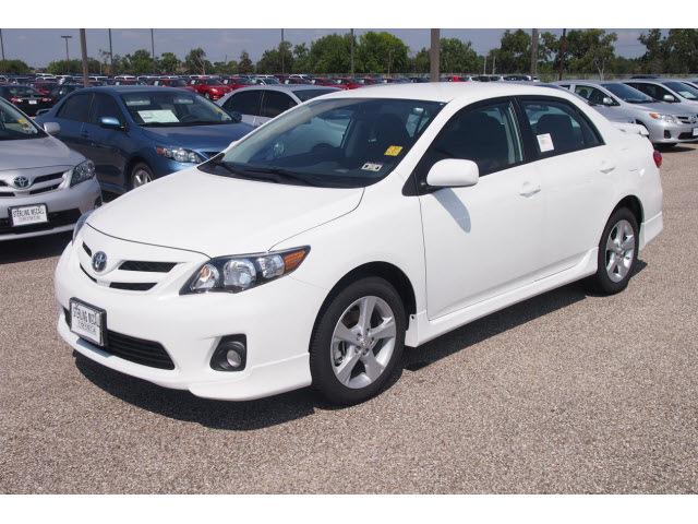 2013 Toyota Corolla S White