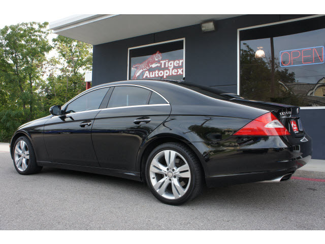 Mercedes benz cls class 2009 black coupe cls550 gasoline 8 for Mercedes benz cls 2009