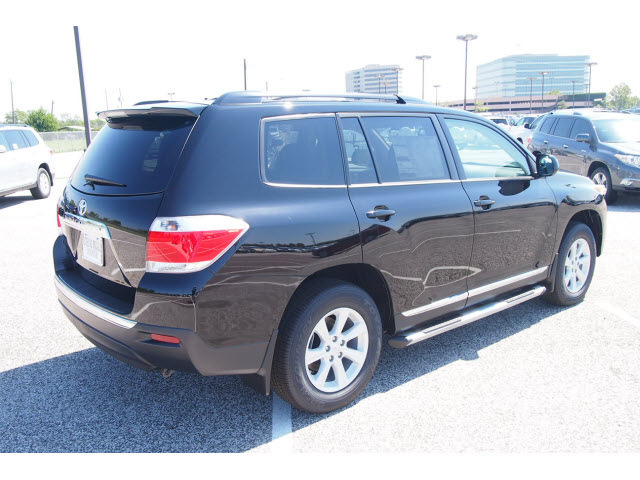 toyota highlander 2013 black suv plus gasoline 4 cylinders front wheel drive automatic 77074. Black Bedroom Furniture Sets. Home Design Ideas