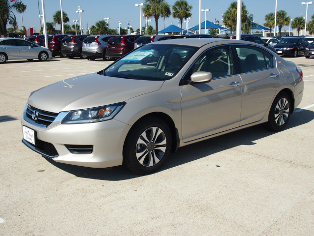 honda accord 2013 champagne frost p sedan lx gasoline 4 cylinders front wheel drive automatic. Black Bedroom Furniture Sets. Home Design Ideas