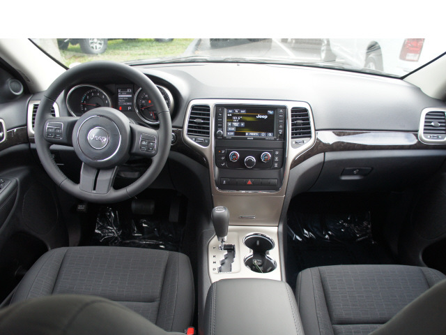 Jeep Grand Cherokee 2013 Black Suv Laredo 6 Cylinders