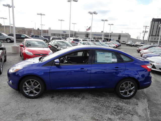ford focus 2013 blue sedan se flex fuel 4 cylinders front wheel drive automatic with overdrive 60546 - Ford Focus Se 2013