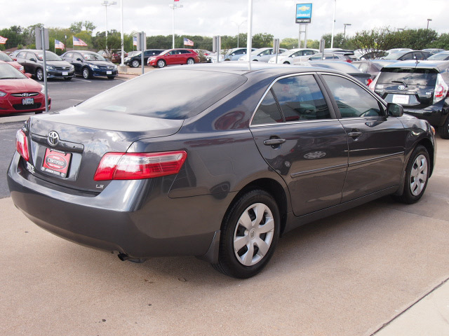toyota camry 2009 dk gray sedan le gasoline 4 cylinders front wheel drive automatic 77802. Black Bedroom Furniture Sets. Home Design Ideas