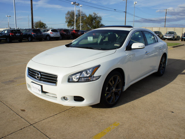 nissan maxima 2013 white sedan 3 5 sv 6 cylinders automatic 75150 nissan maxima 2013 white. Black Bedroom Furniture Sets. Home Design Ideas
