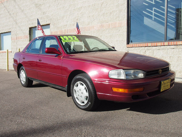 toyota camry 1992 red sedan le gasoline 4 cylinders front wheel drive automatic with overdrive. Black Bedroom Furniture Sets. Home Design Ideas