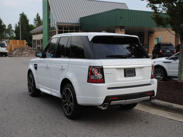 range rover range rover sport 2013 white suv hse gt le. Black Bedroom Furniture Sets. Home Design Ideas