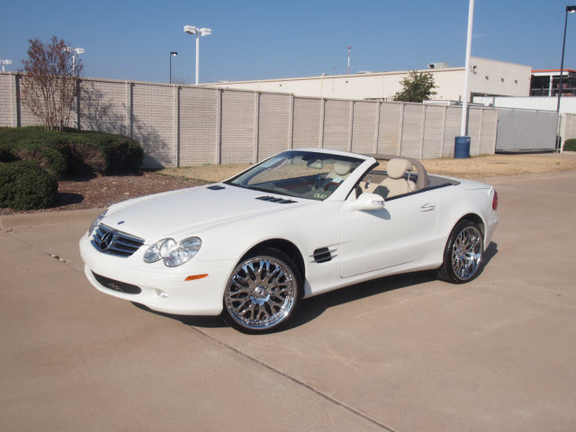mercedes benz sl class 2003 white sl500 gasoline 8 cylinders rear wheel drive automatic 76108. Black Bedroom Furniture Sets. Home Design Ideas
