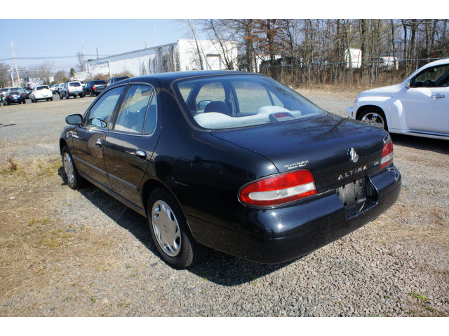 nissan altima 1997 black sedan gxe gasoline 4 cylinders front wheel drive automatic with overdrive 08902 nissan altima 1997 black sedan gxe gasoline 4 cylinders front wheel drive automatic with overdrive 08902 car photos share your car photo