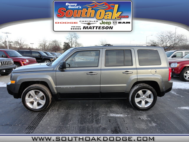 jeep patriot 2011 gray suv latitude gasoline 4 cylinders front wheel drive automatic 60443 jeep. Black Bedroom Furniture Sets. Home Design Ideas