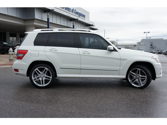 Mercedes benz glk class 2011 white suv glk350 gasoline 6 for White mercedes benz suv