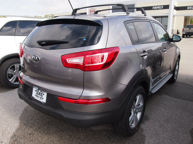 kia sportage 2013 mineral silver suv lx gasoline 4 cylinders front wheel drive automatic 77539. Black Bedroom Furniture Sets. Home Design Ideas