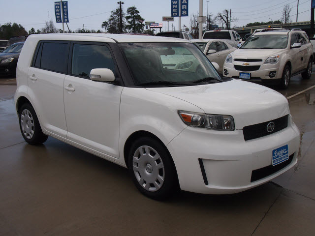 scion xb 2009 white suv gasoline 4 cylinders front wheel drive automatic 77304 scion xb 2009. Black Bedroom Furniture Sets. Home Design Ideas
