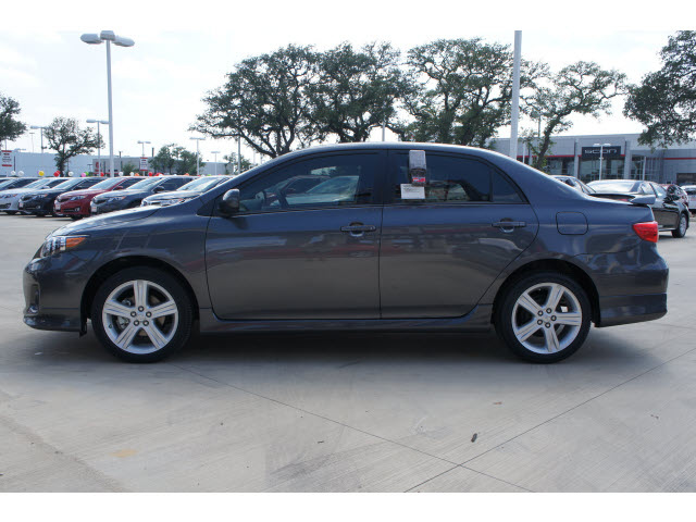 toyota corolla 2013 gray sedan s gasoline 4 cylinders front wheel drive automatic 78232 toyota. Black Bedroom Furniture Sets. Home Design Ideas